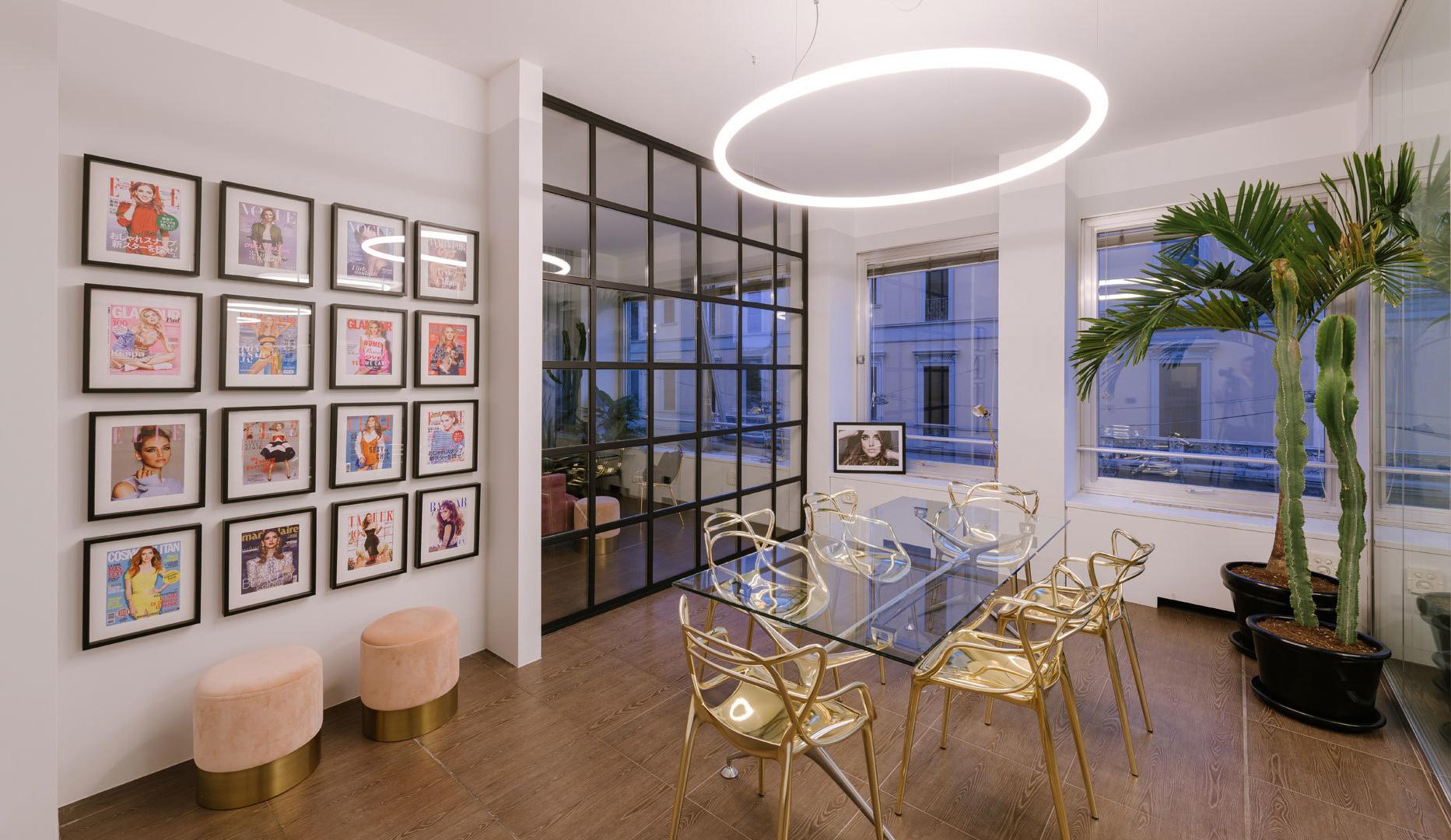 торшер, современные обои, дизайнерские обои, модные обои, модный интерьер, интерьер офиса, топ объект, topobject, top object, artemide, wall and deco, итальянский дизайн, дизайн интерьера, розовый интерьер, серый интерьер, серый цвет в интерьере, серо розовый, освещение, итальянские светильники, итальянские обои, подвесной светильник, обои калининград, светильники калининград, купить обои