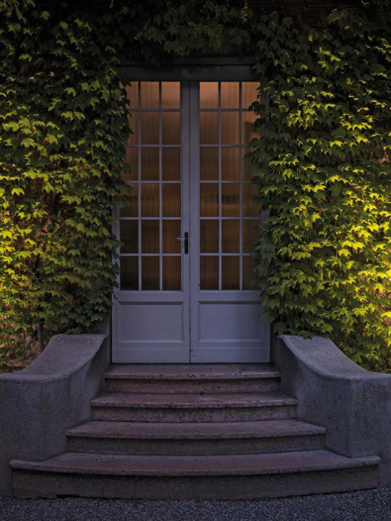 уличный светильник, напольный светильник, потолочный светильник, настенный светильник, итальянское освещение, светильники из Италии, уличный светильник из Италии, стильный уличный светильник, стильный светильник, дизайнерские светильники, дизайнерское освещение, итальянский стиль, ландшафтный дизайн, ландшафтное освещение, ландшафтные светильники, Artemide Epulo 13, Artemide, освещение для сада, освещение для дачи