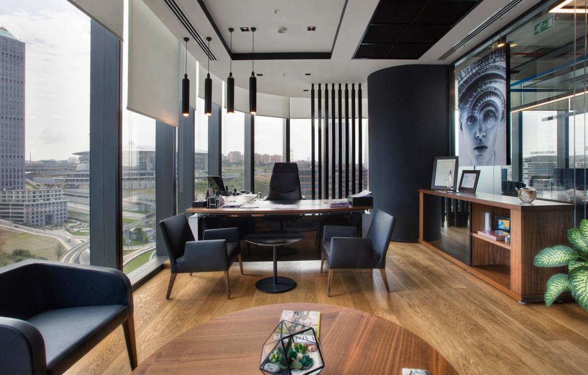Напольные покрытия Tarkett и Desso в офисе Mitsubishi, Стамбул (Турция)
