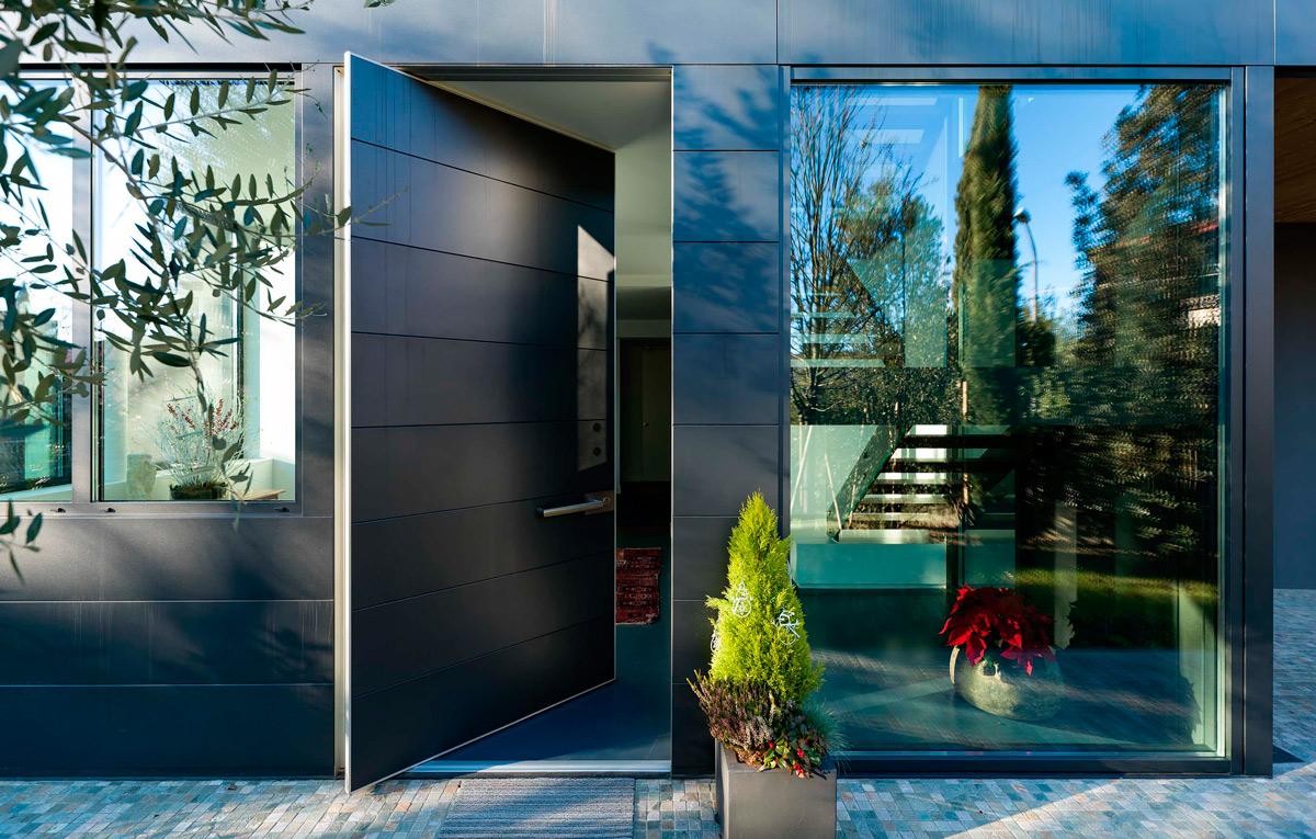 Oikos, двери Oikos, Oikos Калининград, купит двери Oikos, бренд Oikos, входные двери, входные двери Oikos, входные двери Калининград, купить входные двери, металлические входные двери, защита от взлома, двери с защитой от взлома, современные входные двери Калининград, современный дизайн, стильные двери, двери в интерьере, итальянское качество, итальянские двери